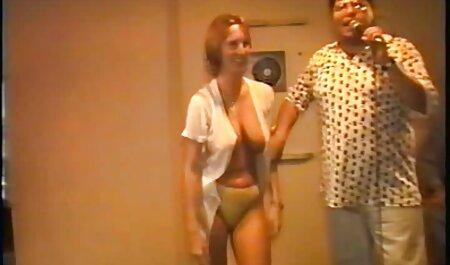 Fille tchèque nue fait une photo film de sexe amateur gratuit pour son copain
