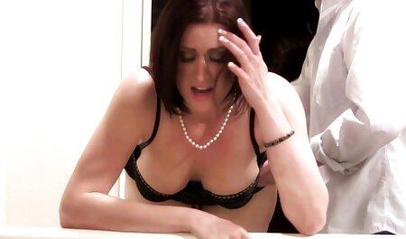 Ma belle-mère film porno amateurs français visite le spa de massage