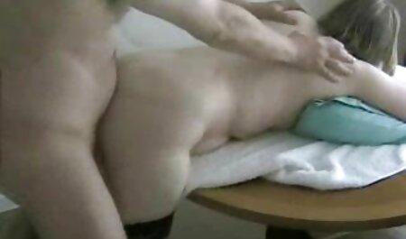 La femme au foyer mature Deauxma jets son jus film x extrait amateur lorsqu'elle se fait baiser dans le cul!