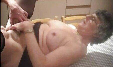 Velvet Swingers Club Home fait un trio extrait film porno amateur d'amis invités