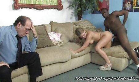 Blonde sur un canapé video x amateur francais gratuit avec la tige de son copain dans le cul de Roomates