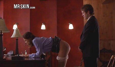 Jolie fille chaude se masturbe dur avec un gode extrait film x amateur gratuit